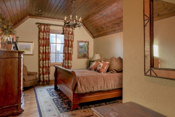 bedroom decorating ideas and designs Remodels Photos Durham Designs & Consulting, LLC Huntersville North Carolina rustic-bedroom-002