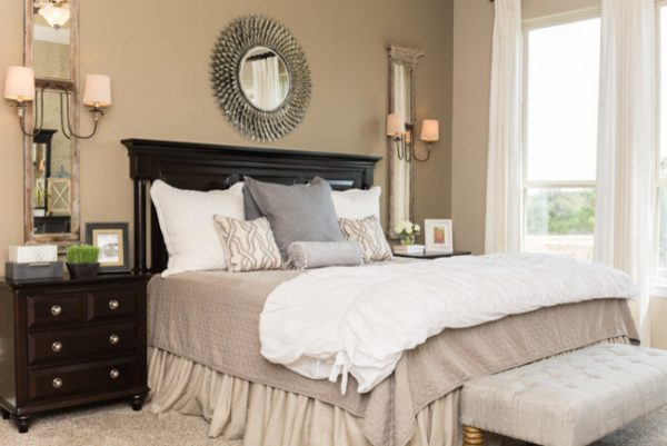 bedroom decorating ideas and designs Remodels Photos Dy Lynne Décor, Inc. San Antonio Texas United States farmhouse-bedroom