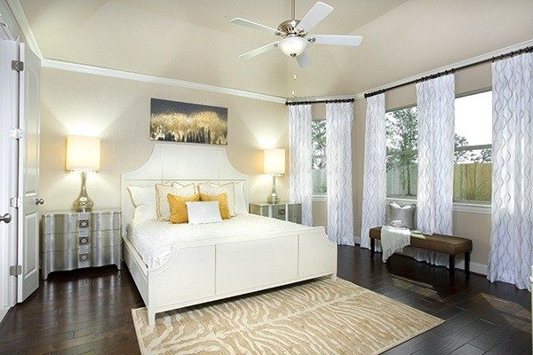 bedroom decorating ideas and designs Remodels Photos Dy Lynne Décor, Inc. San Antonio Texas United States transitional-bedroom-002