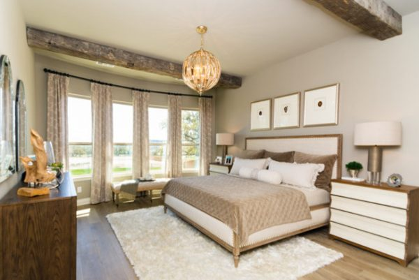 bedroom decorating ideas and designs Remodels Photos Dy Lynne Décor, Inc. San Antonio Texas United States transitional-bedroom