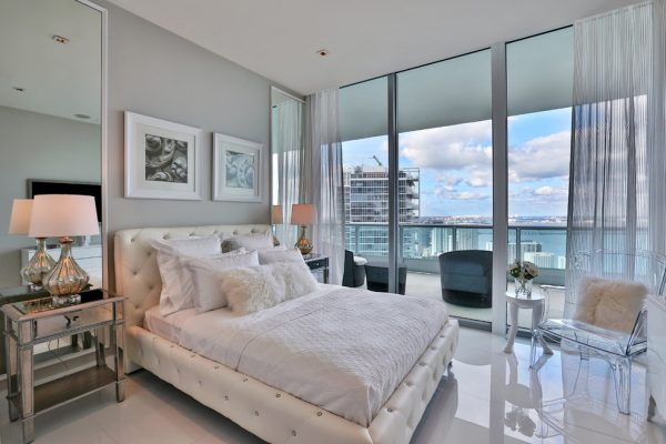 bedroom decorating ideas and designs Remodels Photos Elias Benabib, Corp.North Miami Florida United States bedroom-001