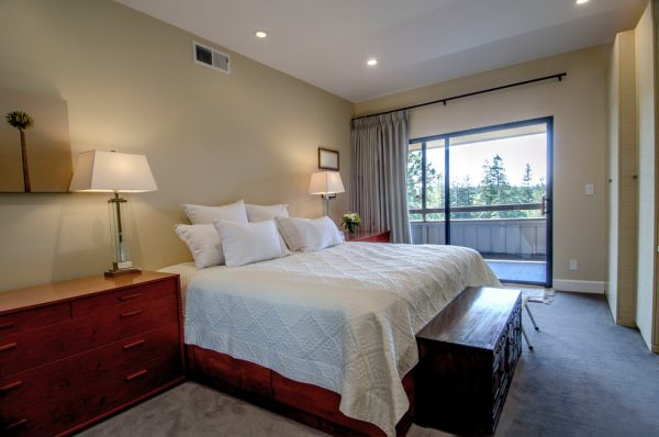 bedroom decorating ideas and designs Remodels Photos Haitani Design Menlo Park California United States contemporary-bedroom
