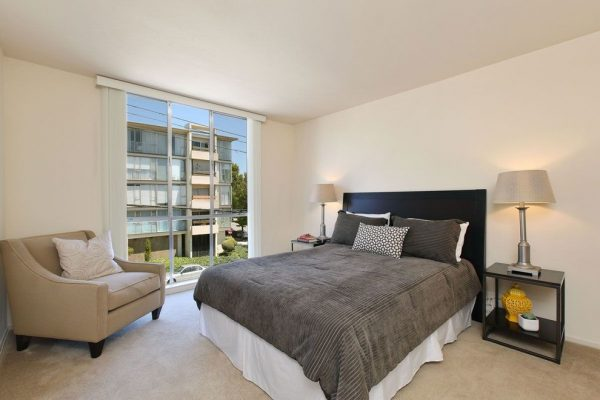 bedroom decorating ideas and designs Remodels Photos Heather Cleveland Design Oakland California United States contemporary-bedroom-001