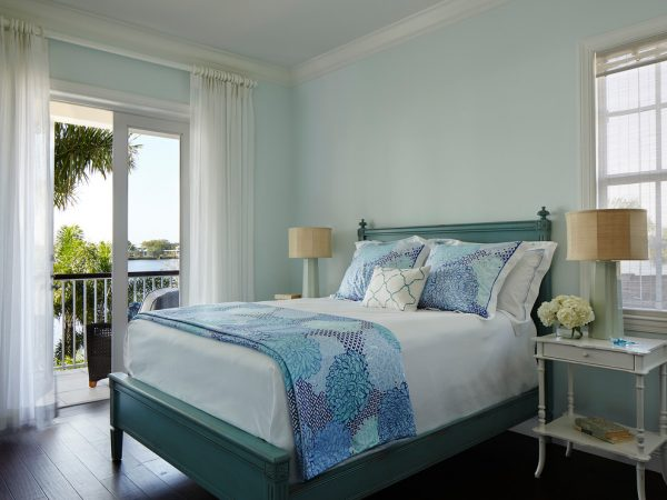 bedroom decorating ideas and designs Remodels Photos JMA INTERIOR DESIGN Jupiter Florida United States beach-style-bedroom-001