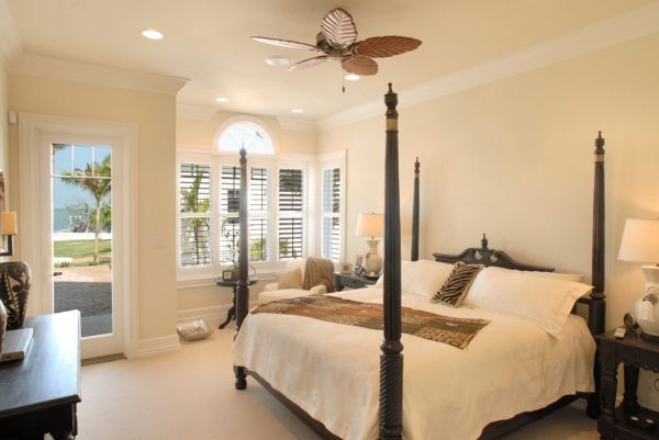 bedroom decorating ideas and designs Remodels Photos JMA INTERIOR DESIGN Jupiter Florida United States tropical-bedroom
