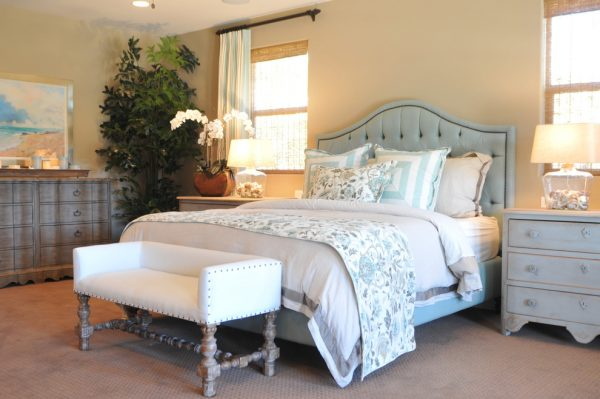 bedroom decorating ideas and designs Remodels Photos Kathy Ann Abell Interiors San Diego California United States beach-style-bedroom-001