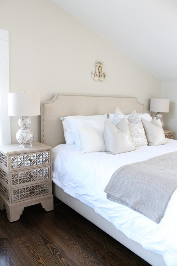 bedroom decorating ideas and designs Remodels Photos Kristy Kay Brookline Massachusetts United States beach-style-bedroom-001