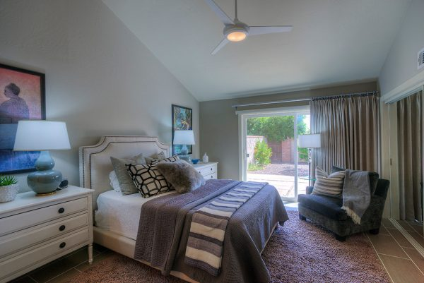 bedroom decorating ideas and designs Remodels Photos LMK Interiors LLC Scottsdale Arizona United Statestransitional-bedroom-002