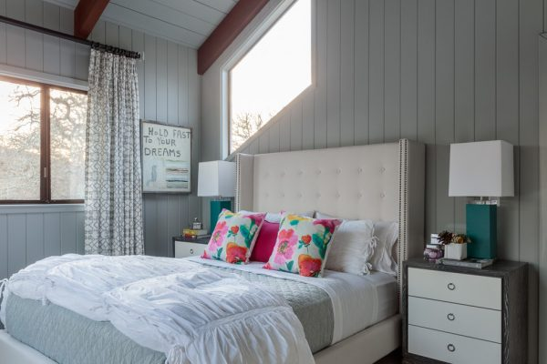 bedroom decorating ideas and designs Remodels Photos Lisa Bakamis Interior Design Fairfax California United States eclectic-bedroom-001