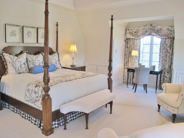 bedroom decorating ideas and designs Remodels Photos LoisMoore Periwinkles Springfield Illinois United States traditional-bedroom-001