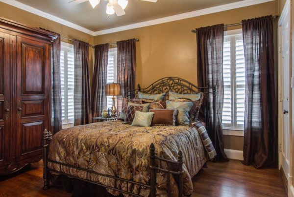 bedroom decorating ideas and designs Remodels Photos Michelle Lynne INTERIORS Group Addison Texas United States traditional-bedroom-003