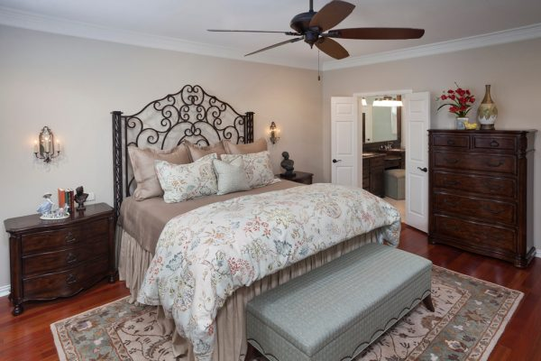 bedroom decorating ideas and designs Remodels Photos Nicole Arnold Interiors Dallas Texas United States transitional-bedroom-002