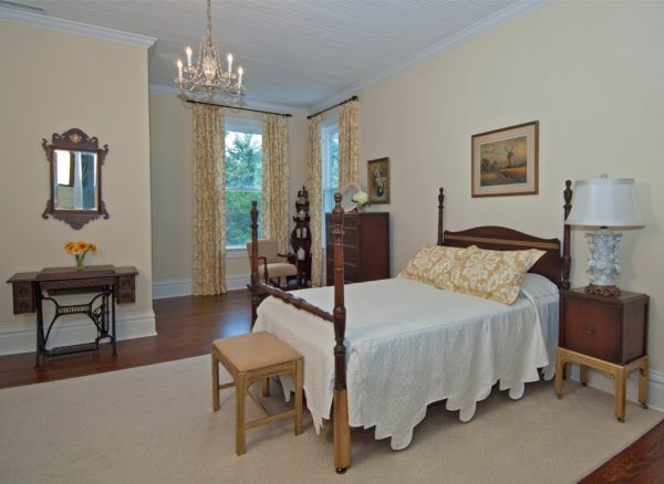 bedroom decorating ideas and designs Remodels Photos Peridot Interiors LLC Wilmington North Carolina United States traditional-bedroom-001