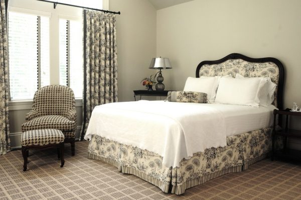 bedroom decorating ideas and designs Remodels Photos Sandra Oster Interiors Greenwich Connecticut United States transitional-bedroom-009
