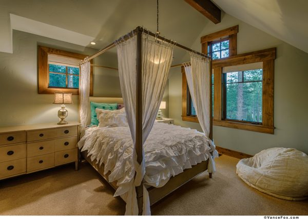 bedroom decorating ideas and designs Remodels Photos THID Truckee California United States rustic-bedroom-003