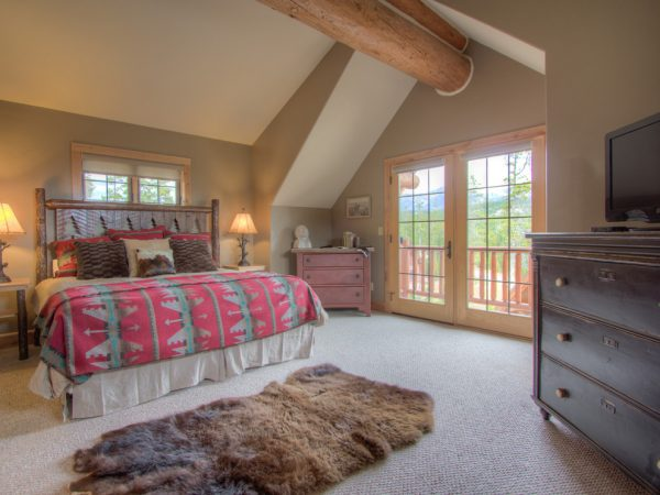 bedroom decorating ideas and designs Remodels Photos Tatom Design LLC Big Sky Montana United States rustic-bedroom-001