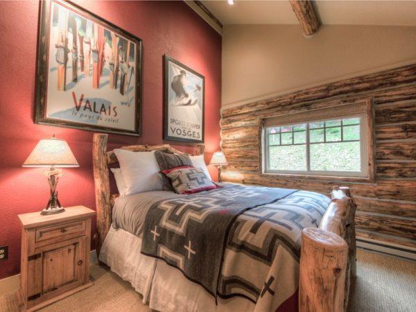 bedroom decorating ideas and designs Remodels Photos Tatom Design LLC Big Sky Montana United States rustic-bedroom