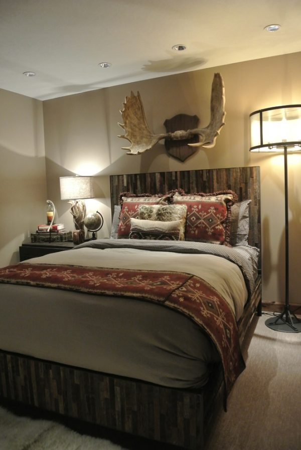 bedroom decorating ideas and designs Remodels Photos The Modern Hive Omaha Nebraska United States rustic-bedroom-002