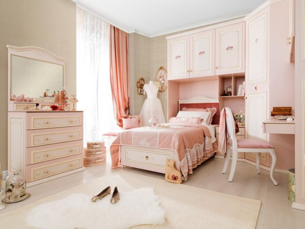 bedroom decorating ideas and designs Remodels Photos Turbo Beds Hallandale Beach Florida United States traditional-bedroom