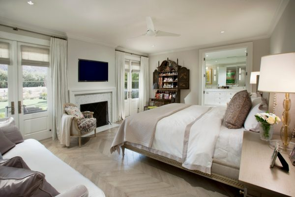 bedroom decorating ideas and designs Remodels Photos Vallone Design Scottsdale Arizona United States traditional-bedroom-005
