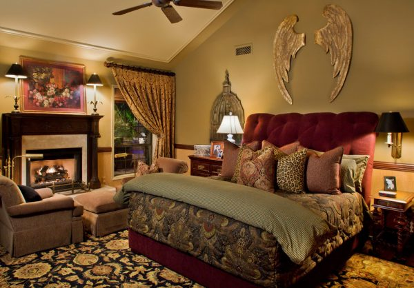 bedroom decorating ideas and designs Remodels Photos Wendy Black Rodgers Interiors scottsdale Arizona United States traditional-bedroom-001