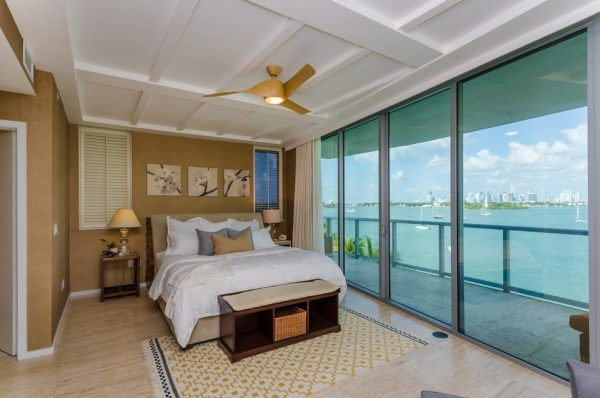 bedroom decorating ideas and designs Remodels Photo AGSIA DESIGN GROUP North Miami Beach Florida United States modern-bedroom-001