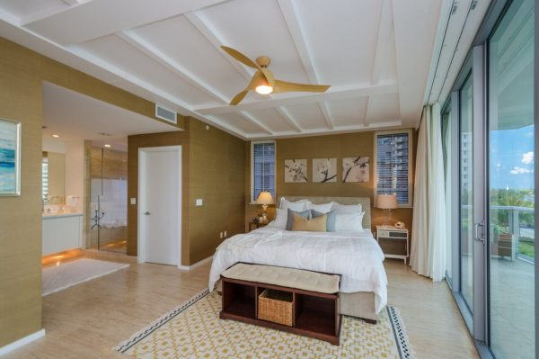 bedroom decorating ideas and designs Remodels Photo AGSIA DESIGN GROUP North Miami Beach Florida United States modern-bedroom-002