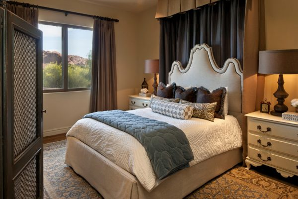 bedroom decorating ideas and designs Remodels Photo Jeneration Interiors Los Angeles California United States traditional-bedroom