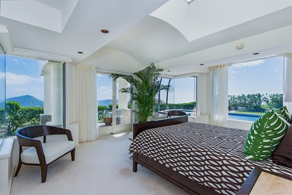 bedroom decorating ideas and designs Remodels Photos INOUYE I N T E R I O R S Hawaii United States contemporary-bedroom-001