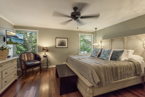 bedroom decorating ideas and designs Remodels Photos INOUYE I N T E R I O R S Hawaii United States eclectic-bedroom