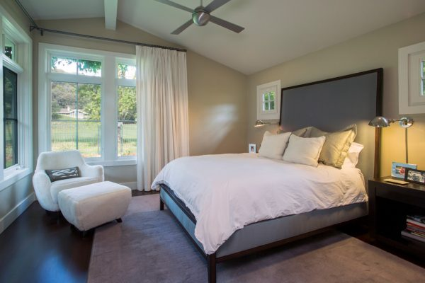 bedroom decorating ideas and designs Remodels Photos Laura Larkin Interiors San Rafael California United States contemporary-bedroom