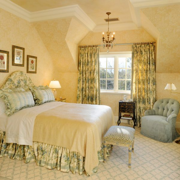 bedroom decorating ideas and designs Remodels Photos Linda L. Floyd, Inc., Interior Design Carmel California United States traditional-bedroom-003