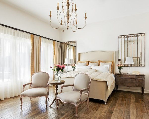 bedroom decorating ideas and designs Remodels Photos Palm Design Group Phoenix Arizona United States traditional-bedroom