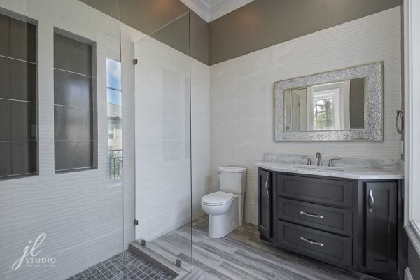 bathroom decorating ideas and designs Remodels Photos JL Studio Metairie Louisiana United States modern-bathroom-001