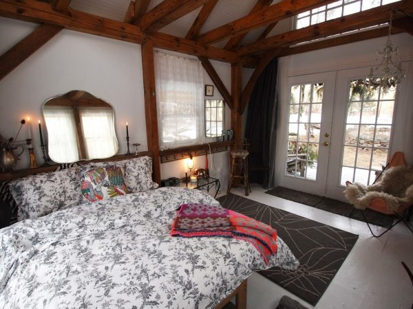 bedroom decorating ideas and designs Remodels Photos Art Home Garden Brooklyn New York United States rustic-bedroom