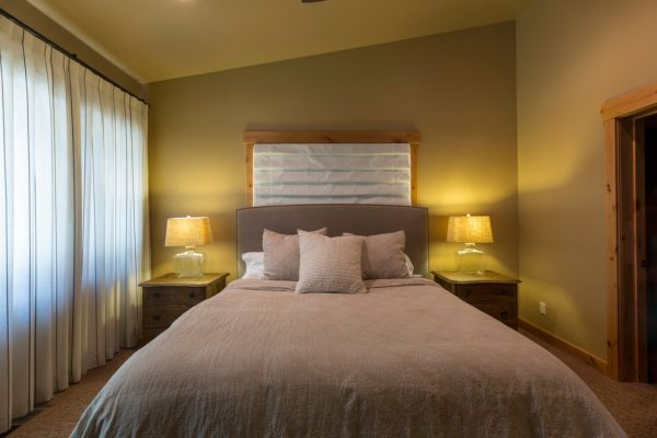 bedroom decorating ideas and designs Remodels Photos Aspen Leaf Interiors, LLC Truckee California United States contemporary-bedroom