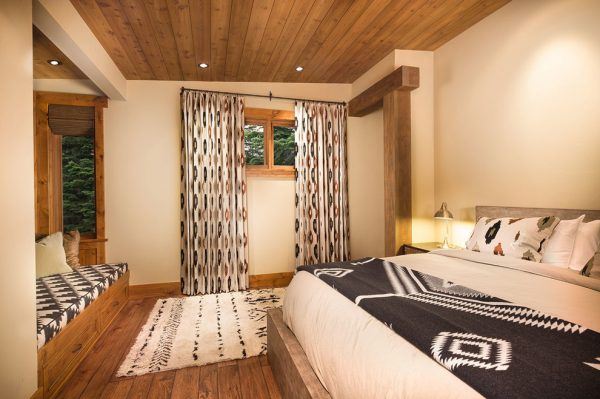 bedroom decorating ideas and designs Remodels Photos Aspen Leaf Interiors, LLC Truckee California United States rustic-bedroom