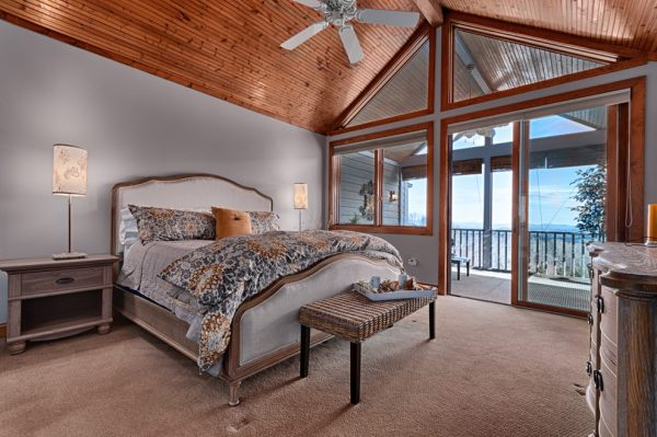 bedroom decorating ideas and designs Remodels Photos Blue Lotus Home Designs Asheville North Carolina United States rustic-bedroom-003