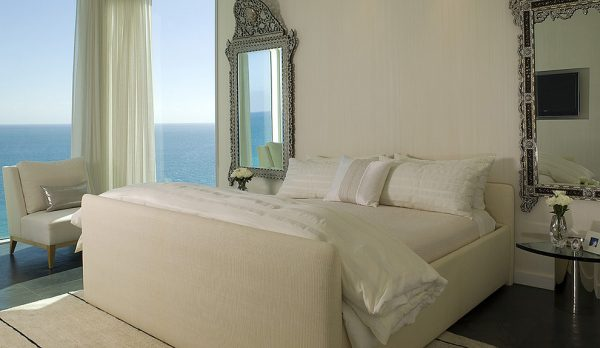 bedroom decorating ideas and designs Remodels Photos CAHLIN DESIGN GROUP Coconut Grove Florida United States contemporary-bedroom-1