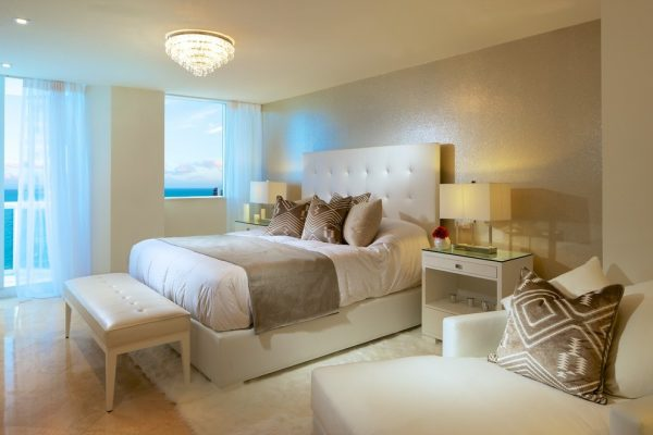 bedroom decorating ideas and designs Remodels Photos Concepto MV Inc Miami Florida United States contemporary-bedroom-001