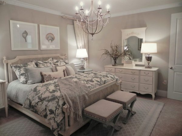 bedroom decorating ideas and designs Remodels Photos Donna Wargo for Ethan Allen Orlando Orlando Florida United States transitional-002