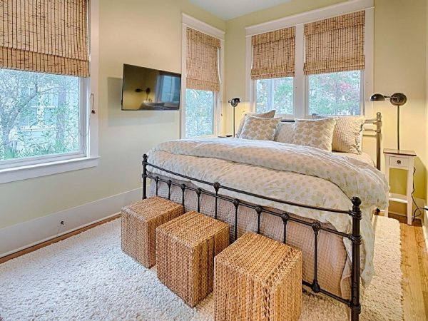 bedroom decorating ideas and designs Remodels Photos Jennifer Taylor Design Tallahassee Florida United States beach-style-bedroom-001