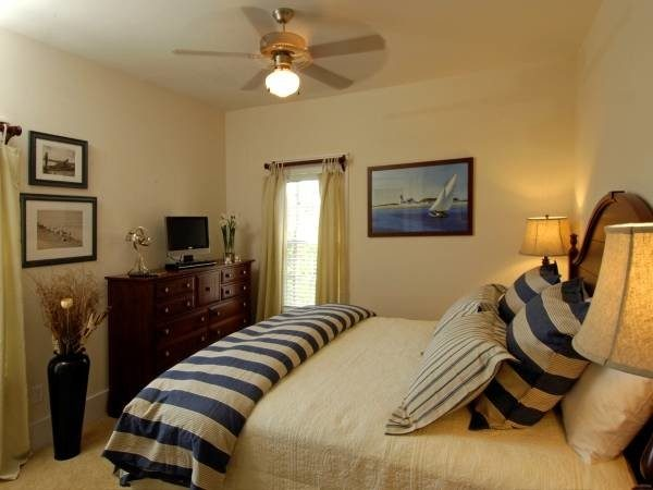 bedroom decorating ideas and designs Remodels Photos Lemongrass Interiors Port St Joe Florida United States beach-style-bedroom-004
