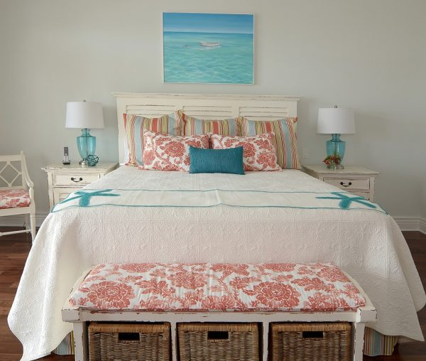 bedroom decorating ideas and designs Remodels Photos Melanie Bock Studios Vero Beach Florida United States beach-style-bedroom-001