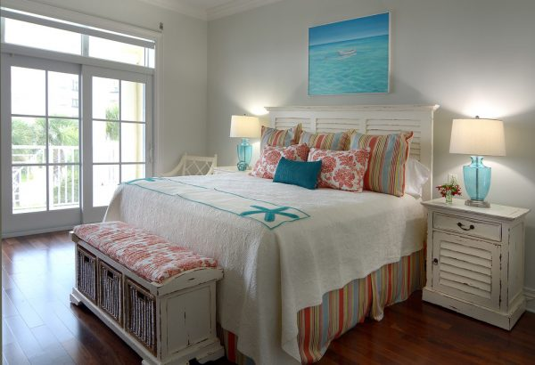 bedroom decorating ideas and designs Remodels Photos Melanie Bock Studios Vero Beach Florida United States beach-style-bedroom-005