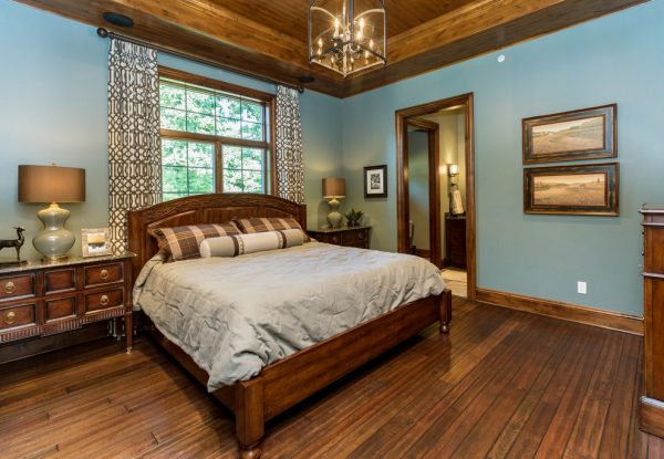 bedroom decorating ideas and designs Remodels Photos The Mansion Des Moines Iowa United States transitional-bedroom-004