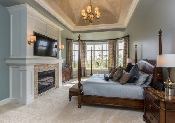 bedroom decorating ideas and designs Remodels Photos The Mansion Des Moines Iowa United States transitional-bedroom-010