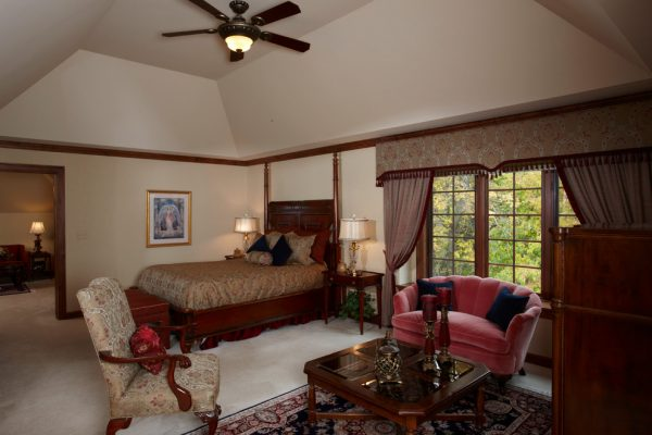 bedroom decorating ideas and designs Remodels Photos Ware Design LLC Delafield Wisconsin United States traditional-bedroom-005