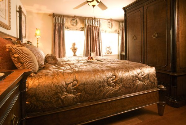 bedroom decorating ideas and designs Remodels PhotosEL INTERIOR DESIGN Gaithersburg Maryland United States traditional-bedroom-002