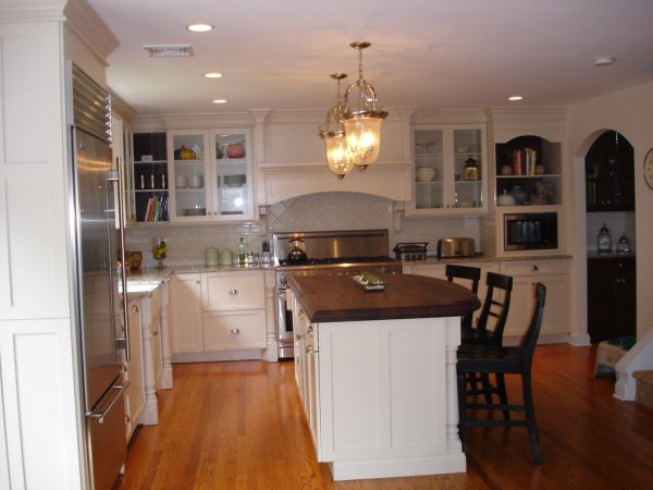 kitchen decorating ideas and designs Remodels Photos B&G Home Interiors Asbury Park New Jersey United States traditional-kitchen